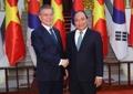 文在寅会见越南总理