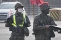 最前線の兵士もマスク着用