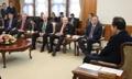 El primer ministro y los senadores de EE. UU.