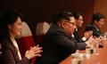 La pareja de Kim Jong-un en el concierto de la 'troupe' surcoreana