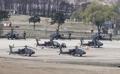 韩美军费分担谈判团参观汉弗莱营