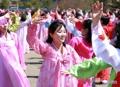 Los norcoreanos honran a su líder