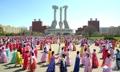 朝鲜办舞会庆金正恩执政六周年