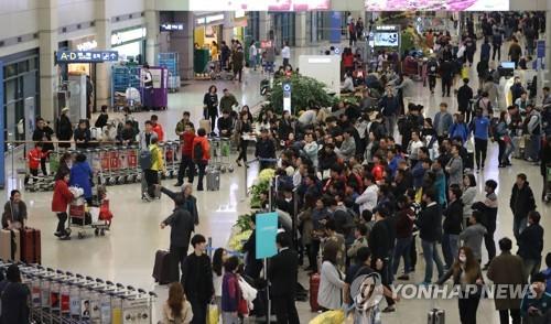 3월 중국인 입국자…사드 이후 첫 40만 회복