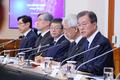 Moon sostiene una reunión anticorrupción