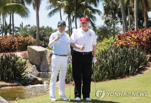 日아소 부총리 트럼프, 아베에 골프 회동 권해