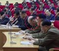 Funcionario norcoreano dormido en una reunión con el líder
