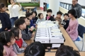 Children learn about balloting