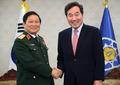 Avec le ministre vietnamien de la Défense