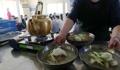混み合う平壌冷麺店