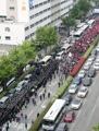 緊張高まる釜山の日本総領事館前