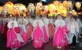 Desfile de budistas