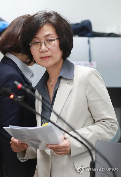 """법무·검찰 여직원 62% """"성희롱 피해 경험""""…신고는 18건뿐"""