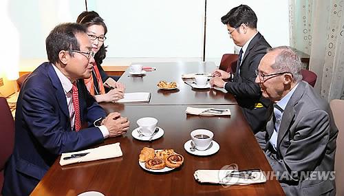 페리 전 미국 국방장관 만나는 홍준표