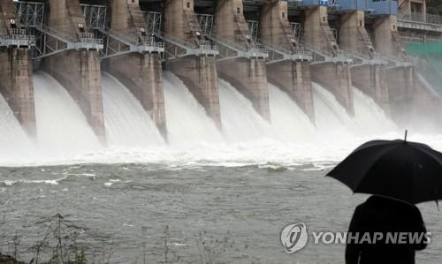 수문 개방한 북한강 수계댐