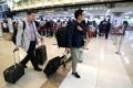 韓国報道陣 北朝鮮へ向け出発