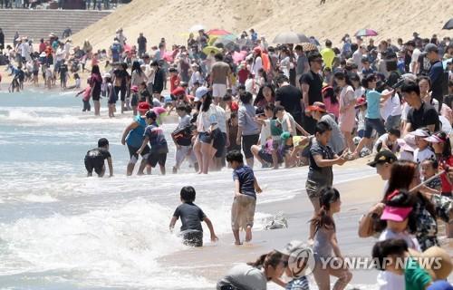 해운대 피서인파 [연합뉴스 자료사진]