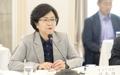 Environment Minister Kim at press meeting