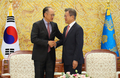 Moon meets World Bank chief