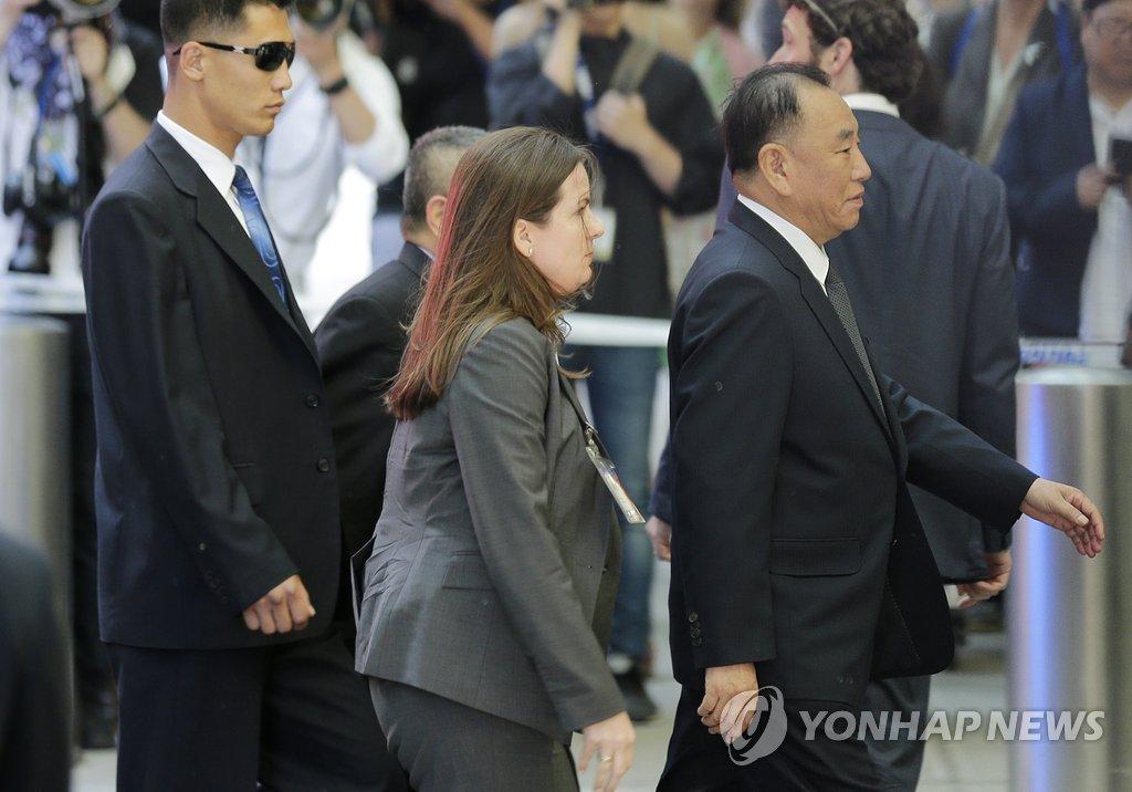 북한 김영철, 뉴욕 도착…폼페이오와 북미회담 최종 조율
