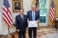 Trump avec la lettre de Kim Jong-un