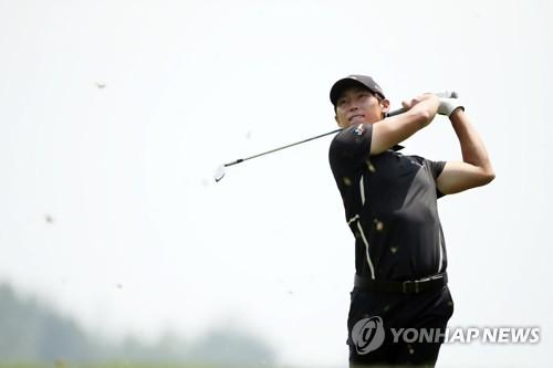 김민휘, 존디어클래식 2R 공동 12위…마이클 김 선두