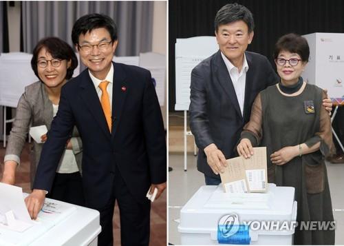 [사전투표] 투표하는 제주도교육감 후보들[연합뉴스 자료사진]
