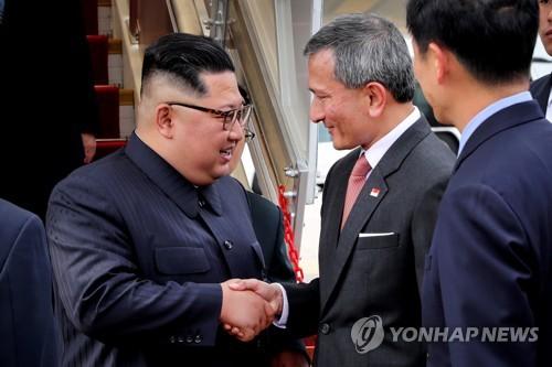 싱가포르 도착한 김정은 위원장