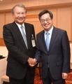 韓国副首相 日経新聞会長と面会