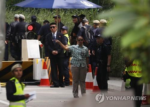 [북미정상회담] 숙소서 회담장까지 곳곳에 경찰관…삼엄 경계