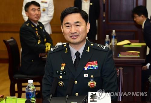 발언하는 김도균 남측 수석대표