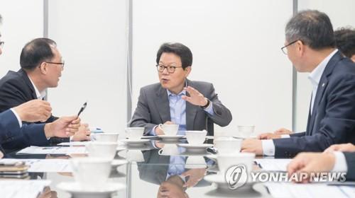 김광수 NH농협금융지주 회장, 영업점 현장경영 시작