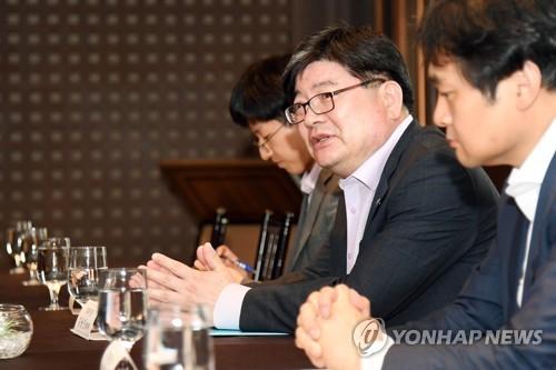 김용진 차관, 국채시장 리스크점검회의