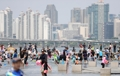 Seoul citizens enjoy summer weekend at Han River