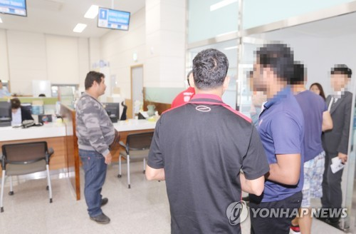 """""""더 갈 곳 없다"""" 예멘인 난민 인정심사 시작…수개월 걸릴 듯(종합)"""