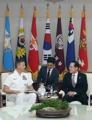 Defense chief meets U.S. naval commander