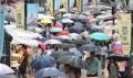 Foule à Myeongdong malgré la pluie