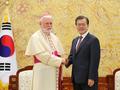 Avec un archevêque catholique