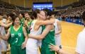 韩朝女篮互相拥抱