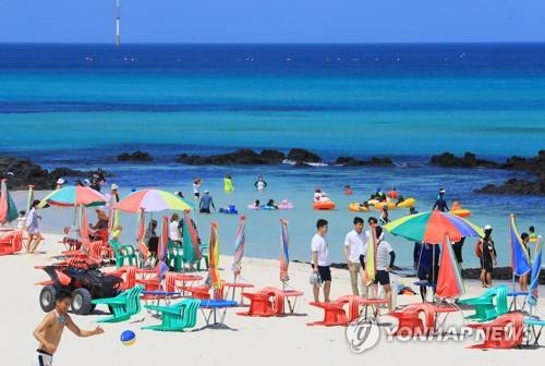 맑고 깨끗한 제주 해변[연합뉴스 자료사진]