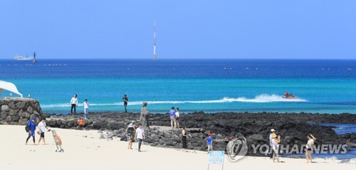 Number of foreign tourists to S. Korea soars 26 pct in August