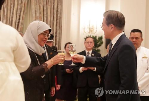 문대통령 싱가포르 북미회담, 평화 새시대 열어…존경과 감사