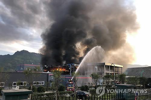 中 쓰촨성 화학공장 폭발사고…19명 사망, 12명 부상