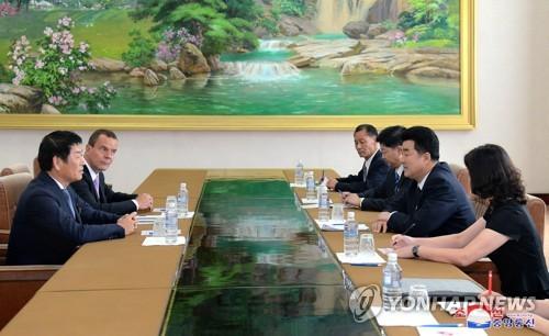 북한 김일국 체육상, 국제체조연맹과 면담
