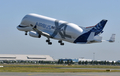 에어버스 '하늘 나는 고래' 초대형수송기 시험비행 성공