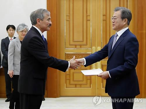 美驻韩新大使递交国书