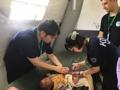 Tratamiento médico para las víctimas en Laos