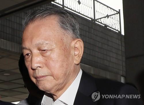 """김기춘 """"박근혜 지시로 징용소송 지연 요구"""" 검찰에 진술"""