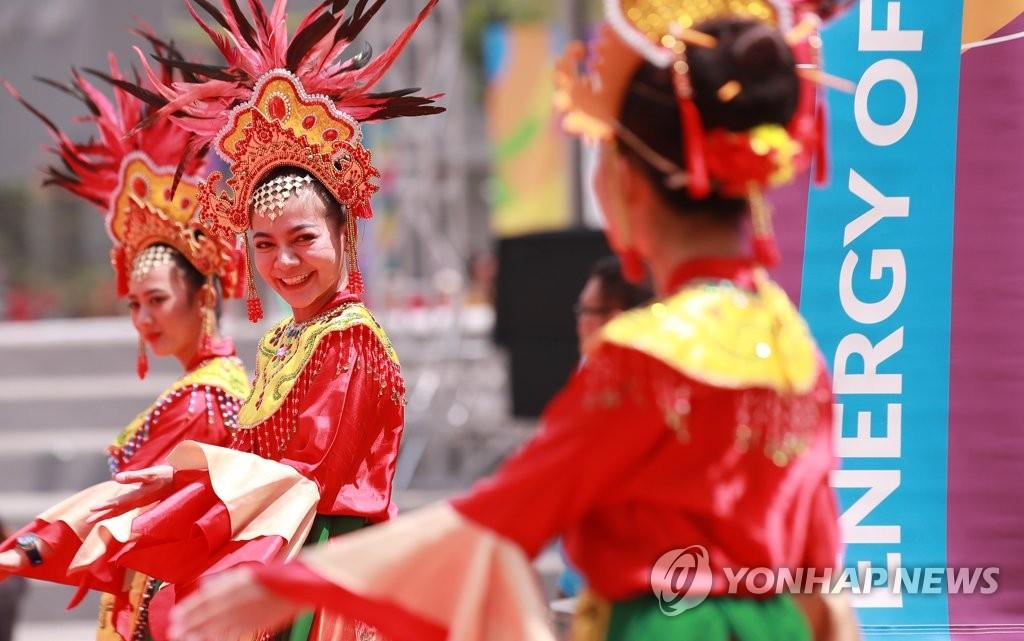 2018 아시안게임, 인도네시아의 미소