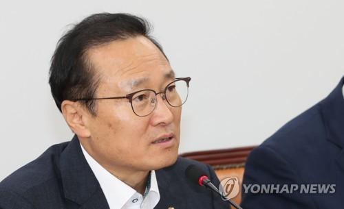 """'취임 100일' 홍영표 """"9월 국회서도 협치에 최선"""""""